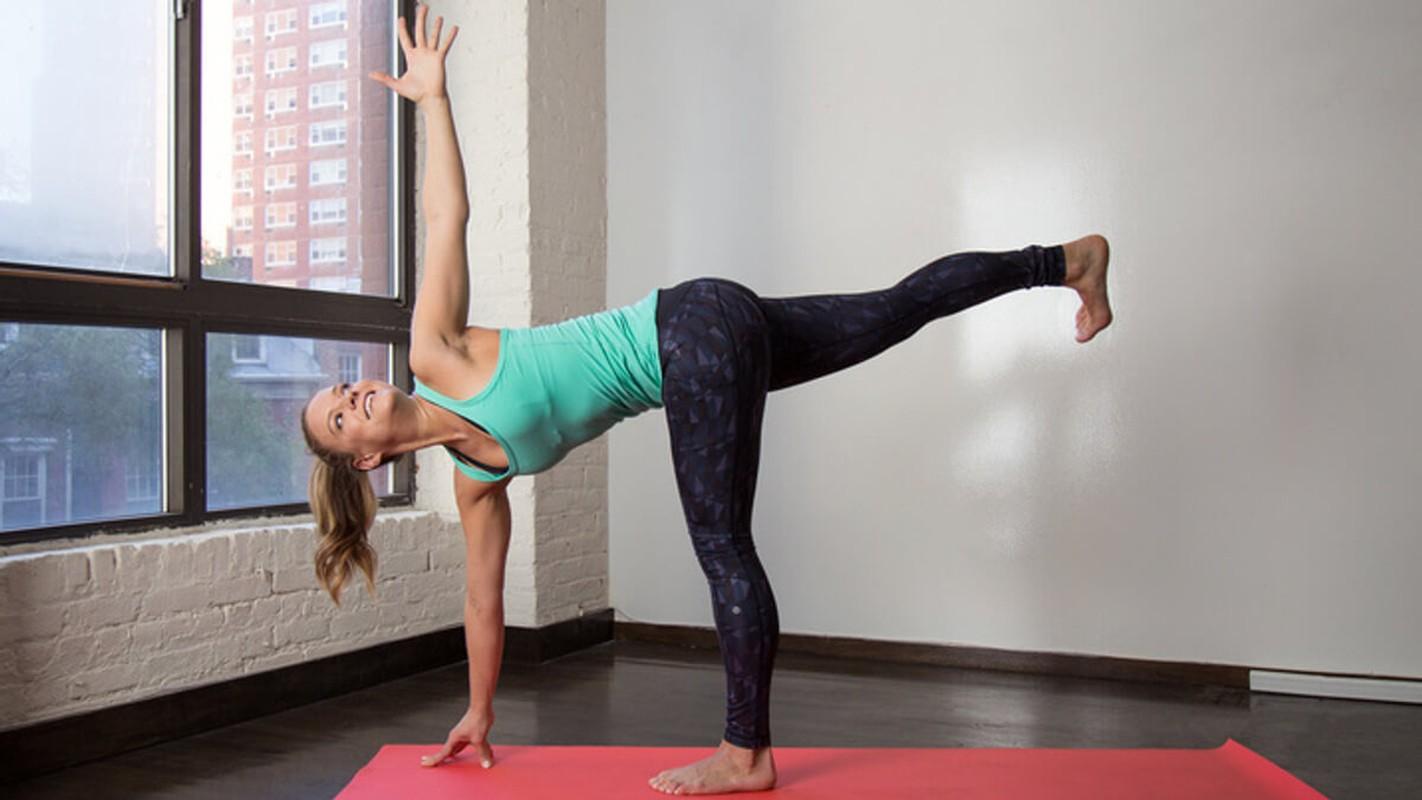 Chi em tap ngay tu the yoga nay de ngua loang xuong-Hinh-10