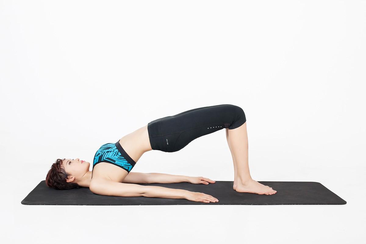 2 bai tap yoga giup tang cuong chuc nang than-Hinh-7