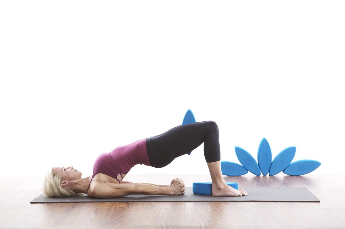 2 bai tap yoga giup tang cuong chuc nang than-Hinh-9