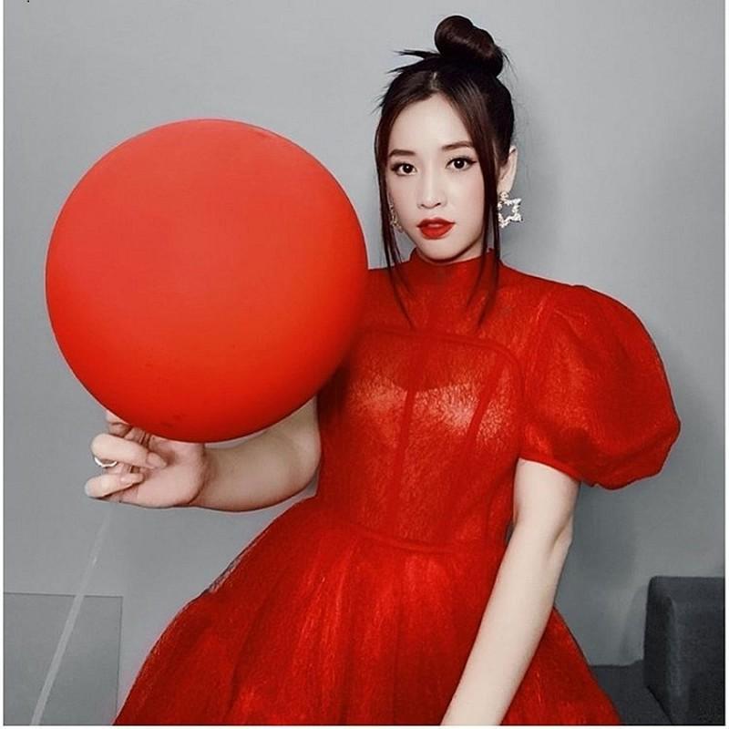 """Gu thoi trang ruc ro cua my nhan bi fans che """"phen""""-Hinh-3"""