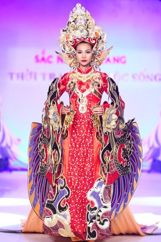 Loat vay ao nang trich, sao Viet phai gong minh khi dien-Hinh-9