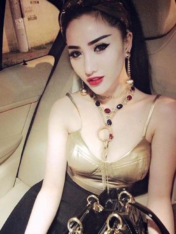 "Gu thoi trang nong bong het co cua ""hotgirl an choi so 1 Sai Thanh""-Hinh-10"