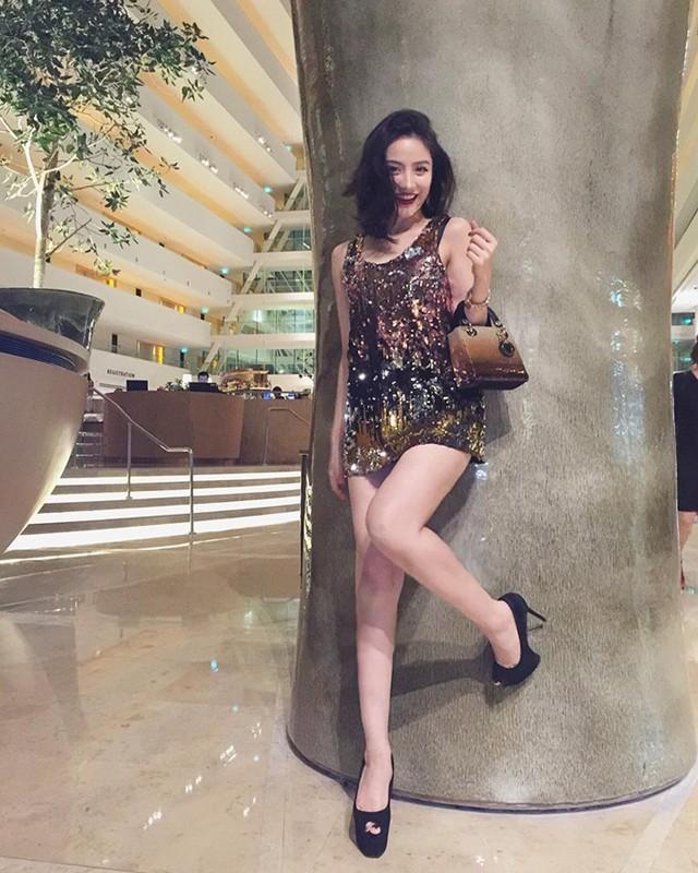 "Gu thoi trang nong bong het co cua ""hotgirl an choi so 1 Sai Thanh""-Hinh-6"