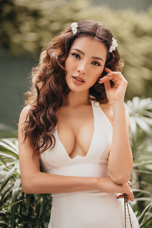 """Thoi trang sexy """"nghet tho"""" cua my nhan duoc vi """"bom sex"""" Vbiz-Hinh-12"""