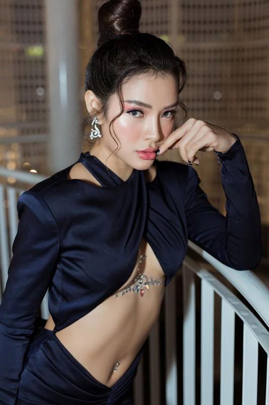 """Thoi trang sexy """"nghet tho"""" cua my nhan duoc vi """"bom sex"""" Vbiz-Hinh-13"""