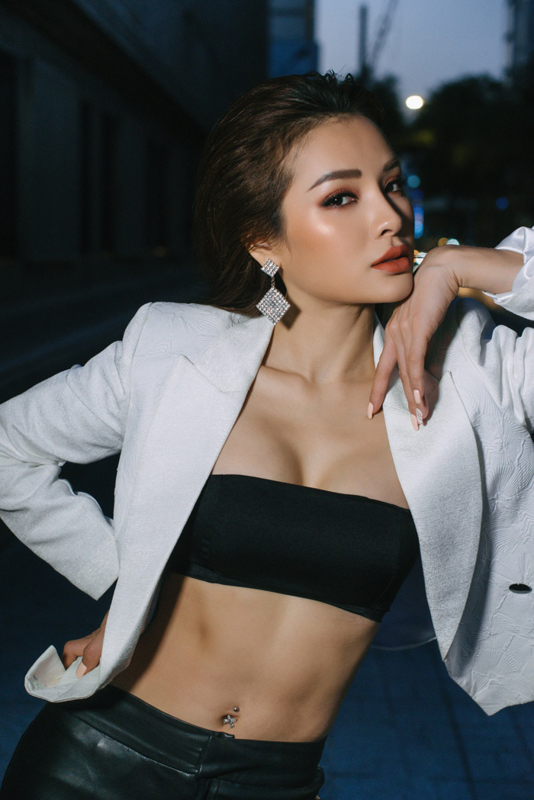 """Thoi trang sexy """"nghet tho"""" cua my nhan duoc vi """"bom sex"""" Vbiz-Hinh-7"""
