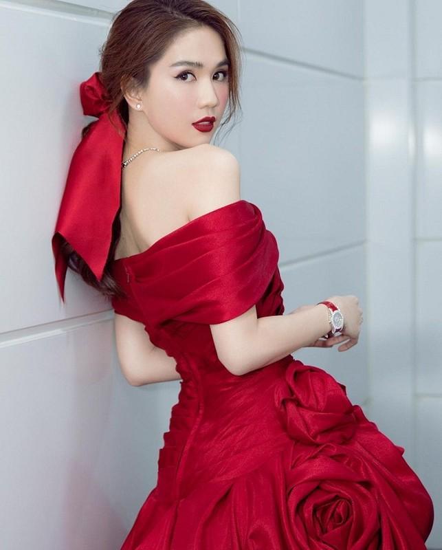 "Khoe anh mac nhu khong, Ngoc Trinh sexy ""dot mat"" dan tinh-Hinh-11"