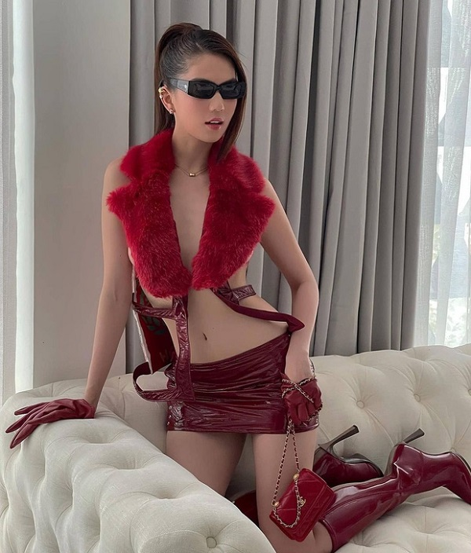 "Khoe anh mac nhu khong, Ngoc Trinh sexy ""dot mat"" dan tinh-Hinh-5"