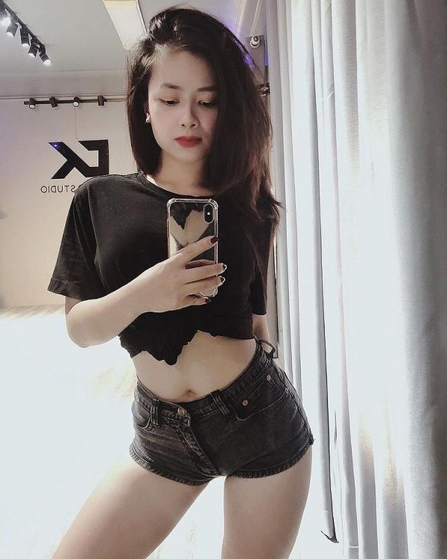 Duong Hoang Yen sexy, trai nguoc hoan toan hinh anh trong Sao Nhap Ngu-Hinh-13