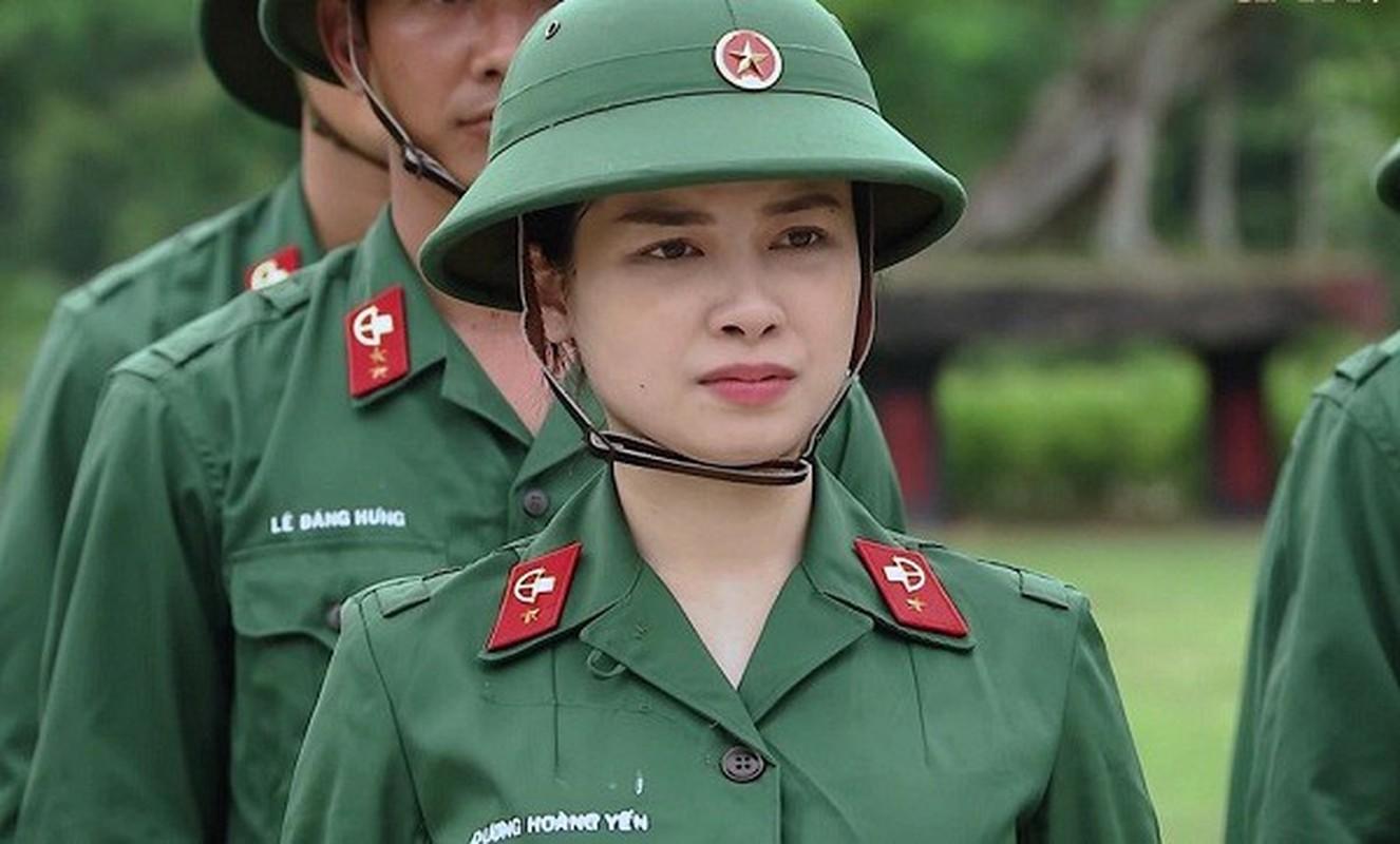 Duong Hoang Yen sexy, trai nguoc hoan toan hinh anh trong Sao Nhap Ngu-Hinh-2