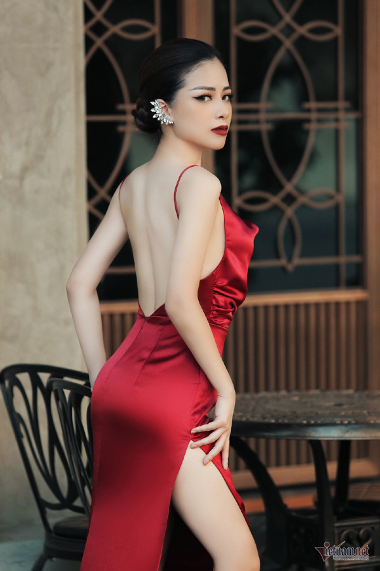 Duong Hoang Yen sexy, trai nguoc hoan toan hinh anh trong Sao Nhap Ngu-Hinh-9
