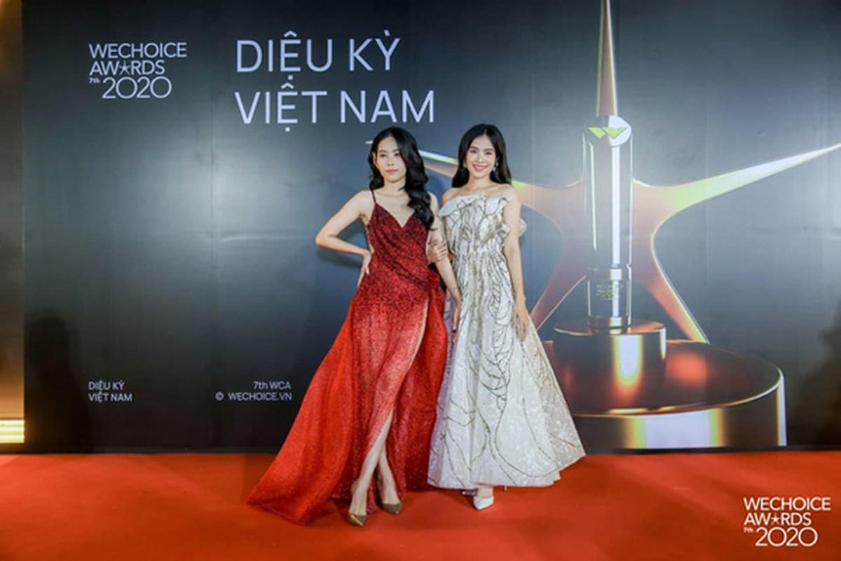 """Giua nghi van chuyen tinh xuat hien """"tra xanh"""", Nam Em mac sexy xuat than-Hinh-3"""