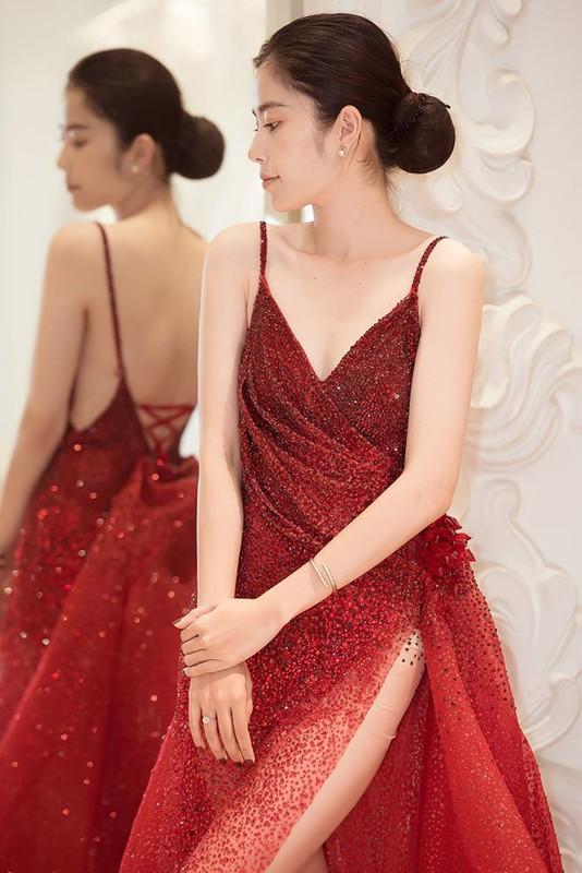 """Giua nghi van chuyen tinh xuat hien """"tra xanh"""", Nam Em mac sexy xuat than-Hinh-5"""