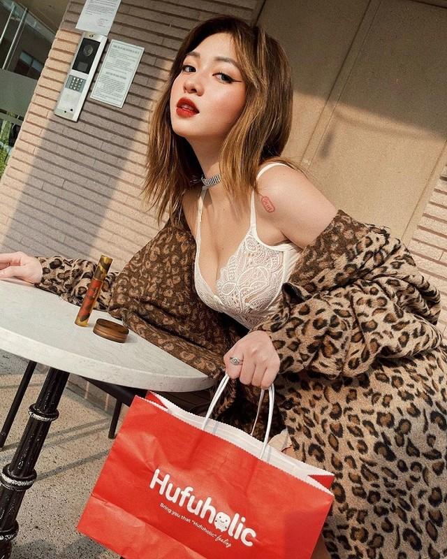 """Sat Tet, hotgirl Sai thanh an mac khieu khich, khoe body """"phon thuc""""-Hinh-6"""