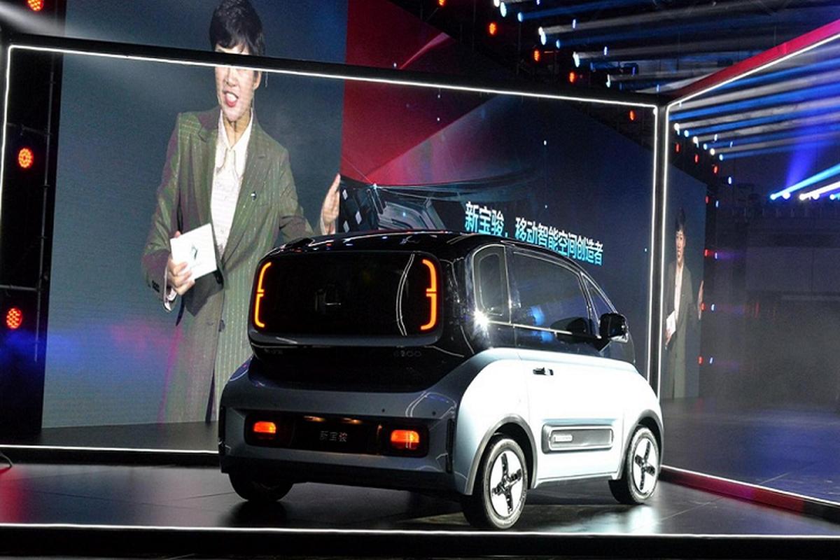 Chi tiet oto dien Baojun E300 2020 chi tu 200 trieu dong-Hinh-3