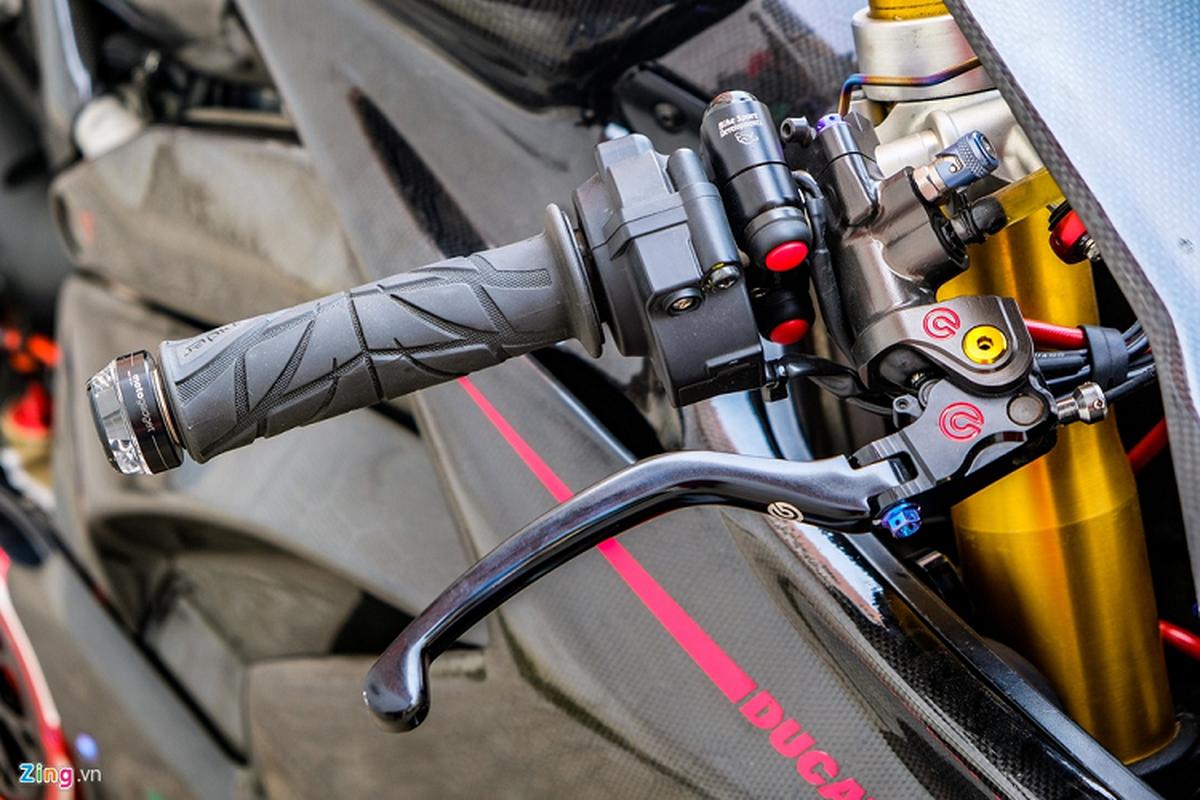 Ducati Panigale V4 voi goi do xe dua tien ty tai TP.HCM-Hinh-7