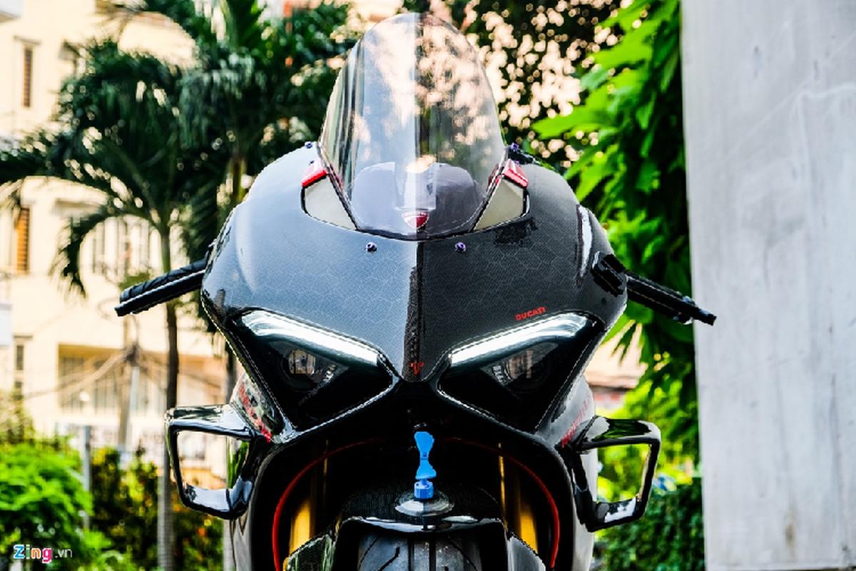 Ducati Panigale V4 voi goi do xe dua tien ty tai TP.HCM-Hinh-9