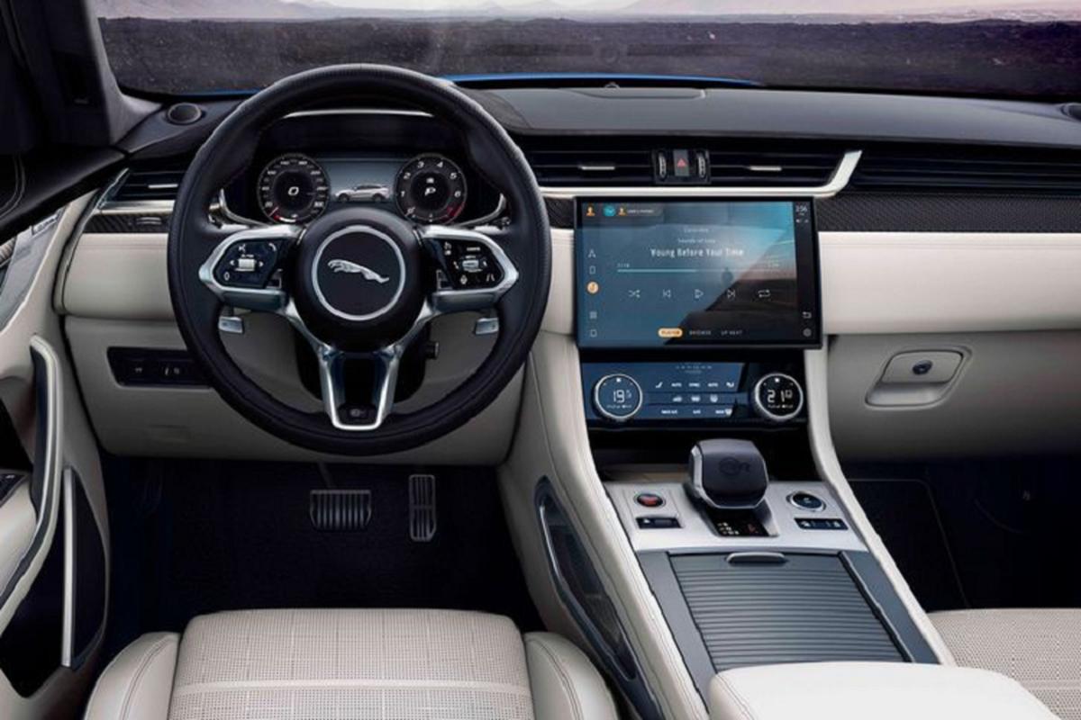 Jaguar F-Pace SVR 2021 sang chanh, chi can 3,8 giay de but toc-Hinh-4