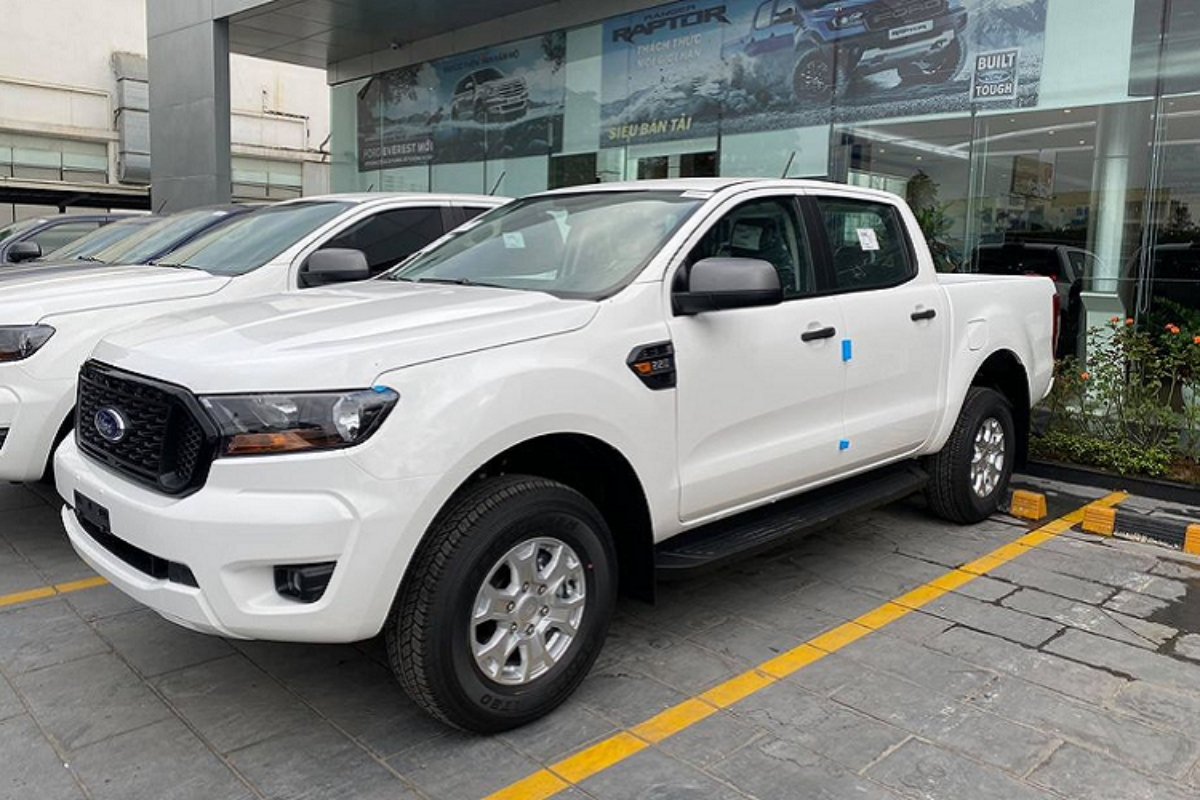 "Ford Ranger 2021 tu 616 trieu dong ve ""ngap kho"" dai ly"