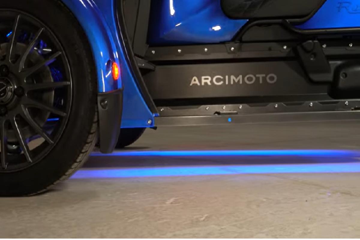 "Arcimoto Roadster - ""quai vat ba banh"" chay dien 551 trieu dong-Hinh-5"