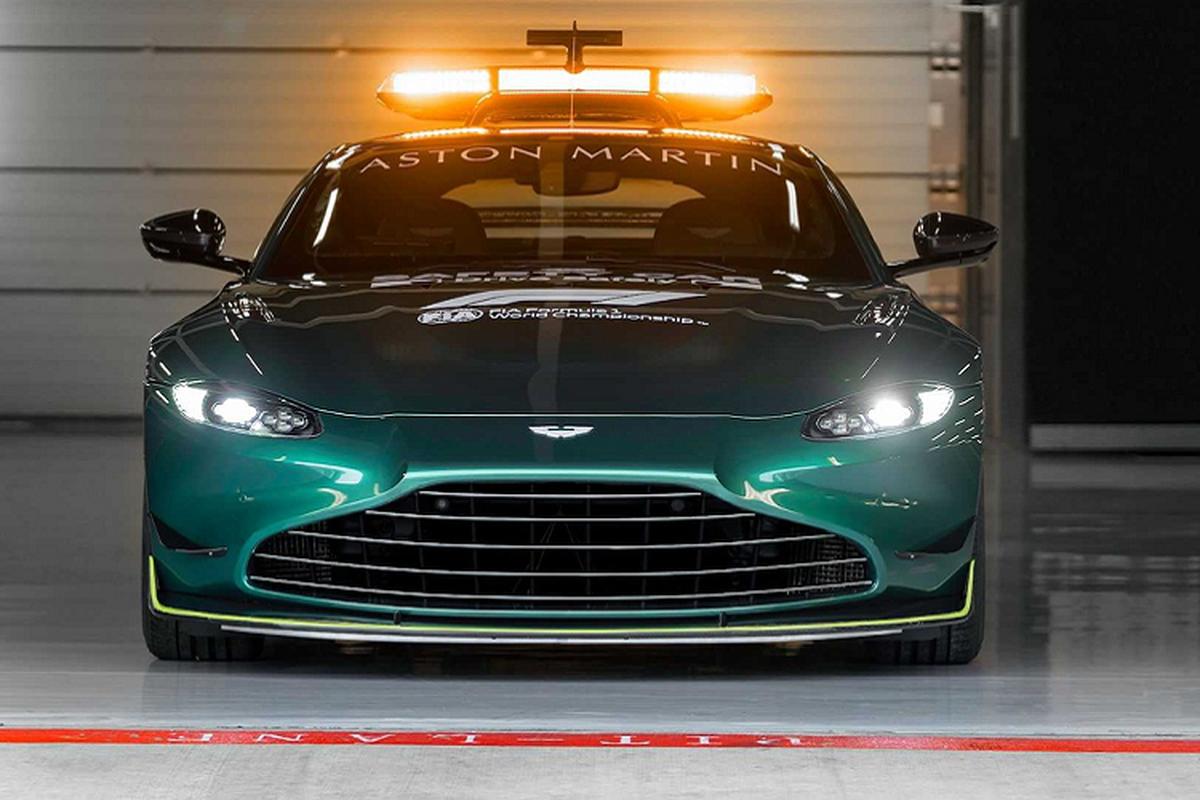 Sieu xe Aston Martin Vantage phien an toan tren duong dua F1-Hinh-3