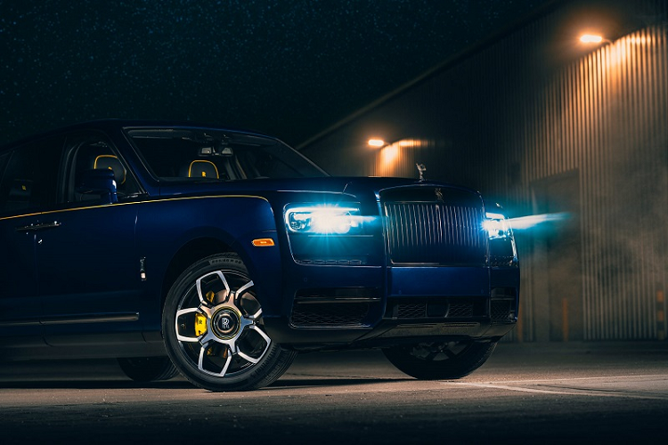 What does the Super SUV Rolls-Royce Cullinan of Google signed with Google? -Hinh-4