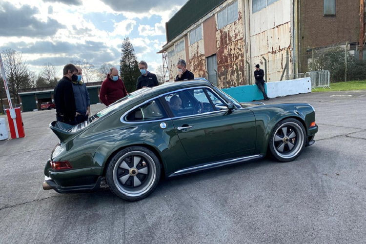Chiec xe co Porsche 911 DLS nay chao ban toi 41,5 ty dong-Hinh-2