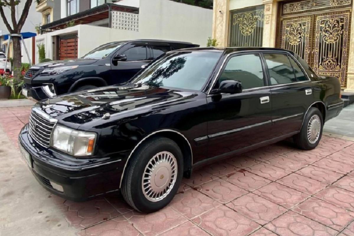 """""""Xe bo truong"""" Toyota Crown bien ngu quy gan 800 trieu o Quang Ninh-Hinh-11"""