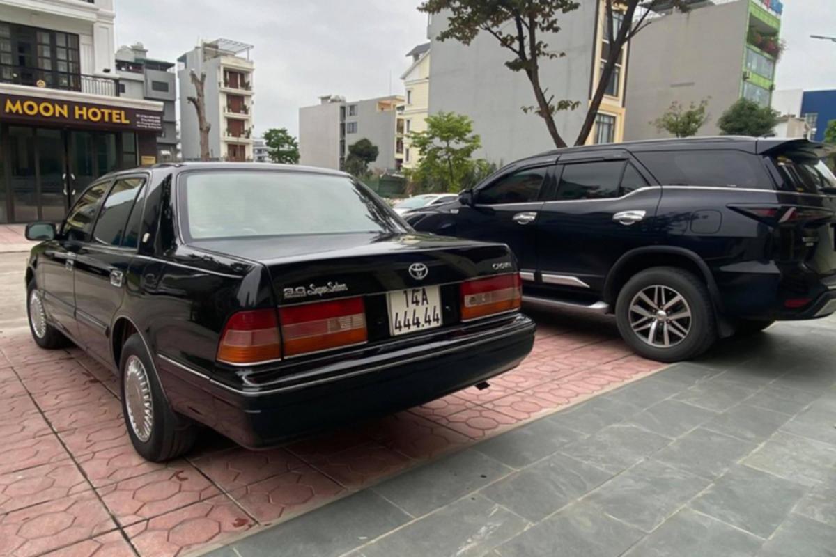 """""""Xe bo truong"""" Toyota Crown bien ngu quy gan 800 trieu o Quang Ninh-Hinh-9"""