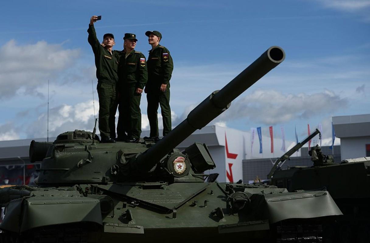 Loat anh tuyet dep, an tuong trien lam Army-2016 o Nga-Hinh-12