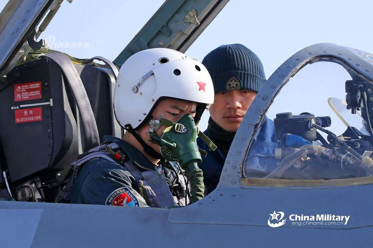 Rut bot thoi gian dao tao, Trung Quoc van doi phi cong gioi nhu My-Hinh-10