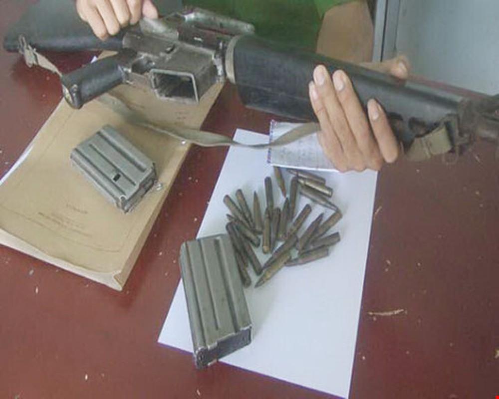 Cuoc gap go day duyen no giua cha de AK-47 va cha de M-16-Hinh-9