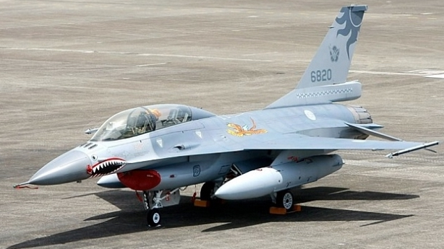 Dai Loan kich hoat Phi doi tiem kich F-16V dau tien, san sang nghenh chien-Hinh-12