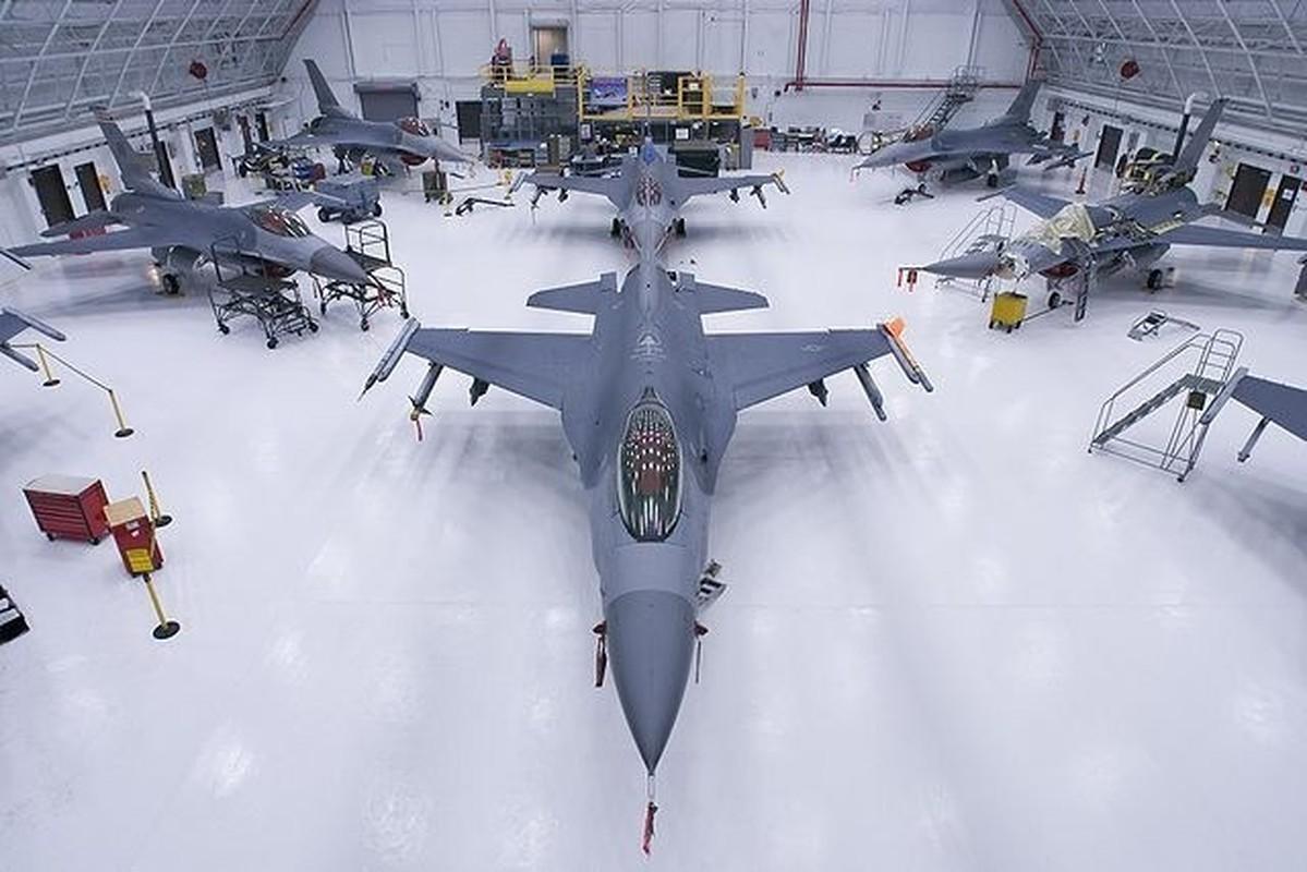 Dai Loan kich hoat Phi doi tiem kich F-16V dau tien, san sang nghenh chien-Hinh-13