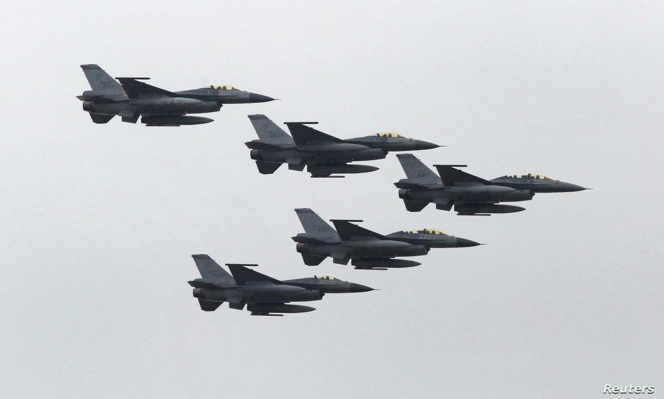 Dai Loan kich hoat Phi doi tiem kich F-16V dau tien, san sang nghenh chien-Hinh-16