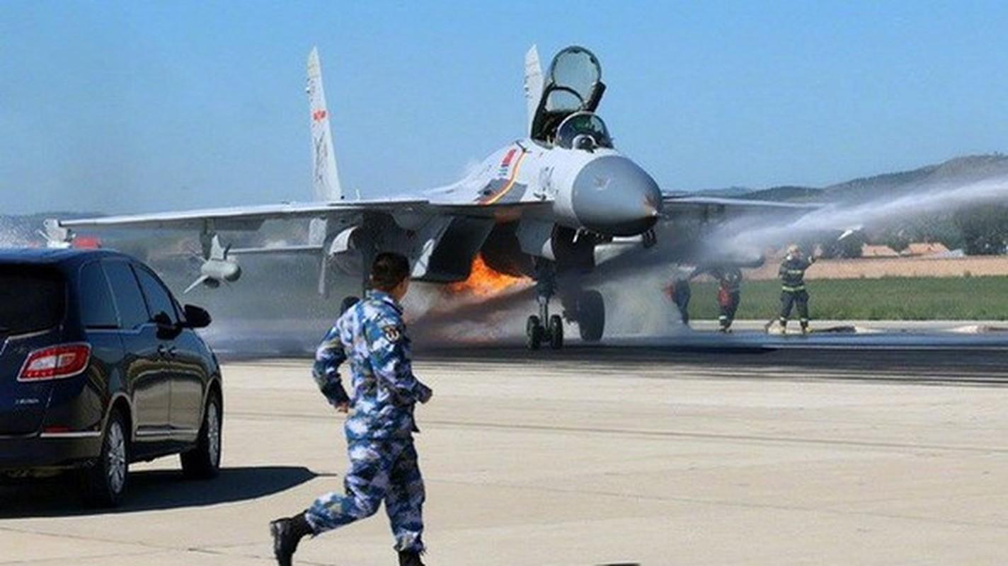 Tiem kich ham J-15 cua Trung Quoc thanh tro cuoi cho nguoi Nga-Hinh-14