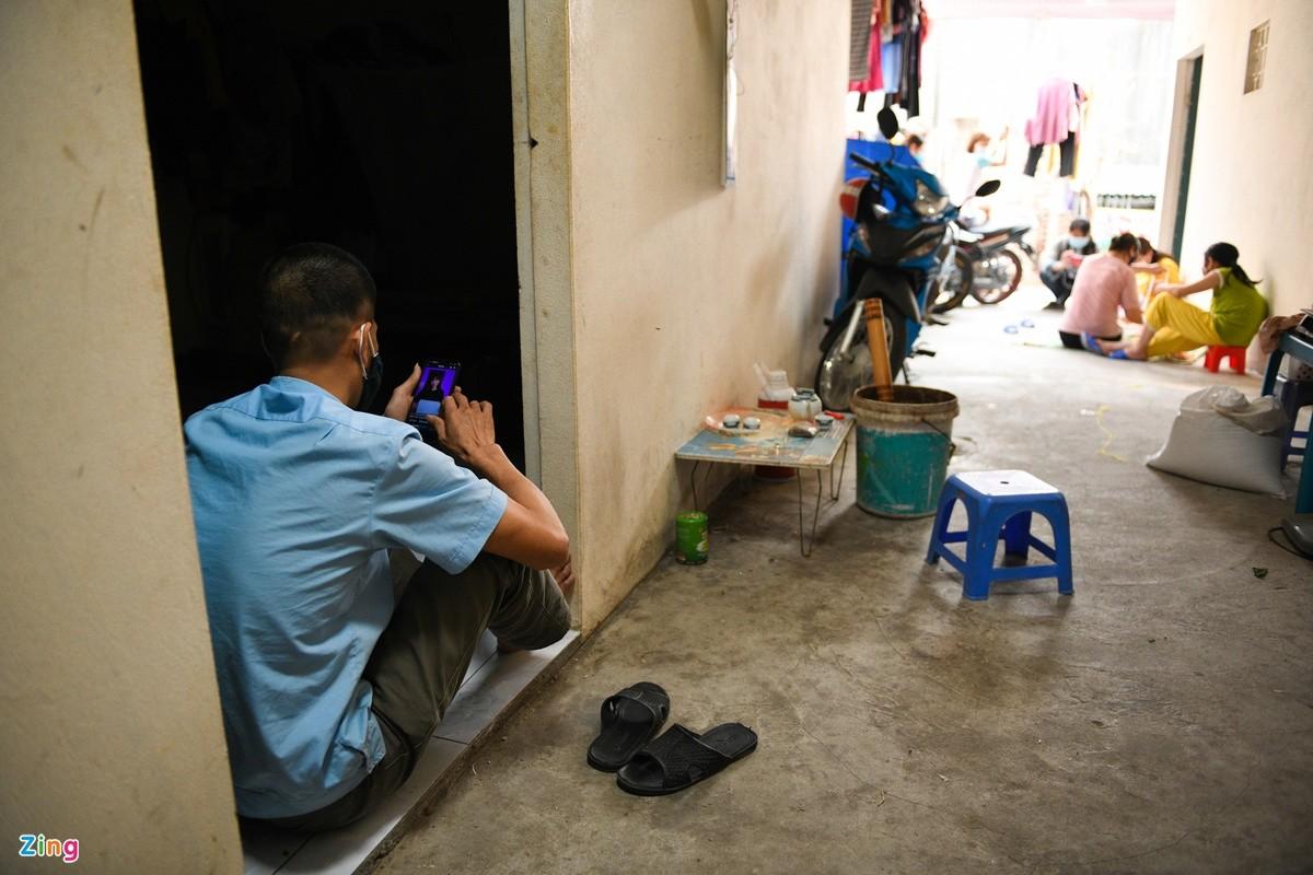 Do an het, cong nhan Hai Duong lay lat song giua dich COVID-19-Hinh-5