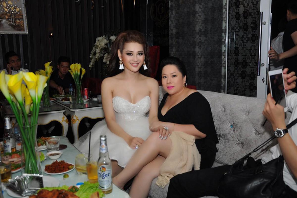 Lam Chi Khanh vui ve don sinh nhat sau lum xum-Hinh-9