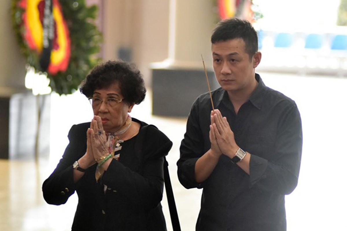 Nghe si Viet nghen ngao trong dam tang nhac si Hoang Duong-Hinh-11