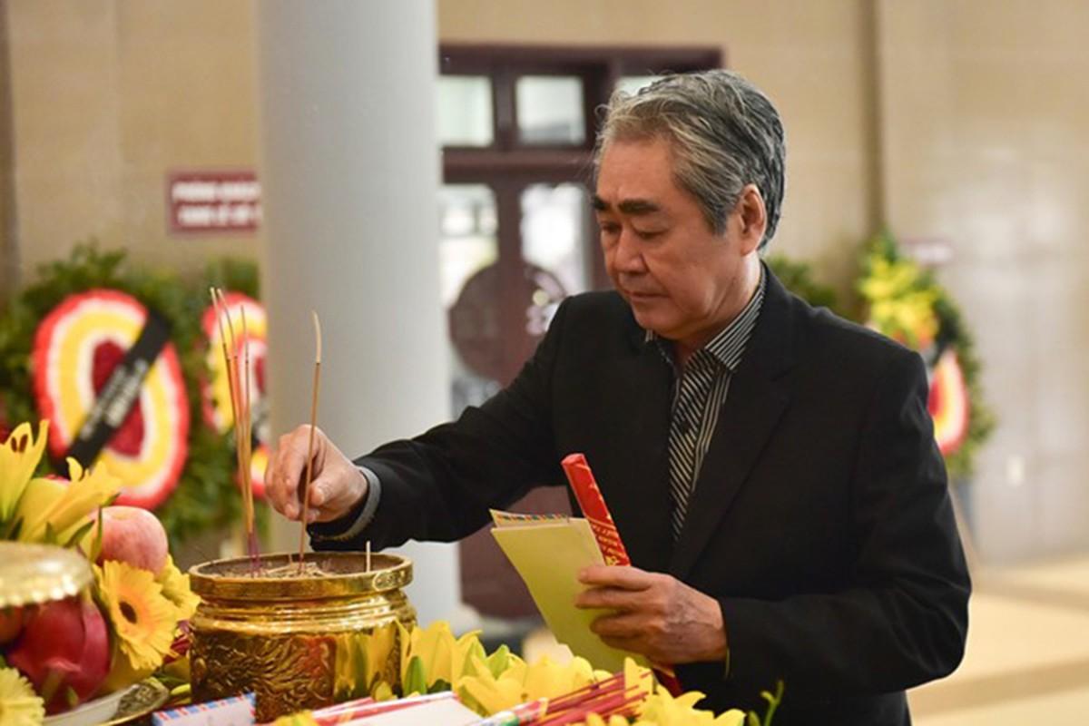 Nghe si Viet nghen ngao trong dam tang nhac si Hoang Duong-Hinh-7