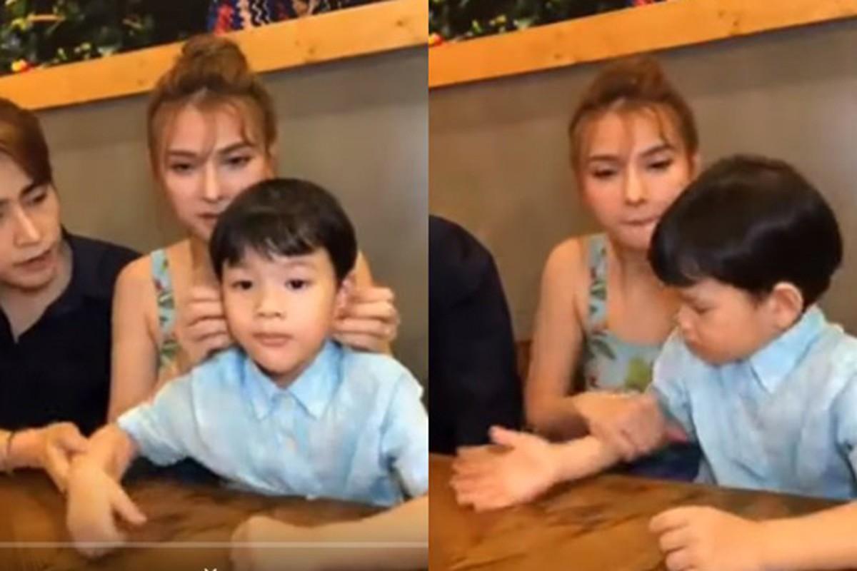 Chong Thu Thuy cung con rieng cua vo the nao truoc on ao?