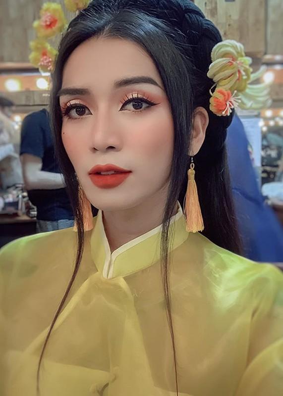Loat anh BB Tran gia gai sieu dinh, Tran Thanh con phai xach dep-Hinh-3