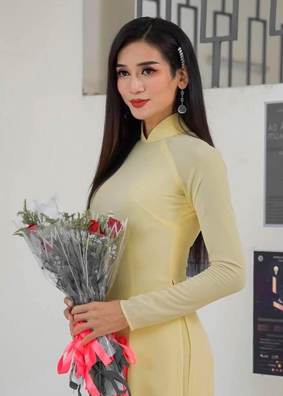 Loat anh BB Tran gia gai sieu dinh, Tran Thanh con phai xach dep-Hinh-4