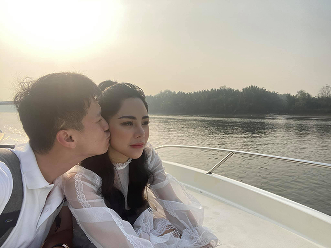 """Chuyen tinh """"ngot lim"""" cua Huynh Anh va ban gai hon tuoi-Hinh-8"""