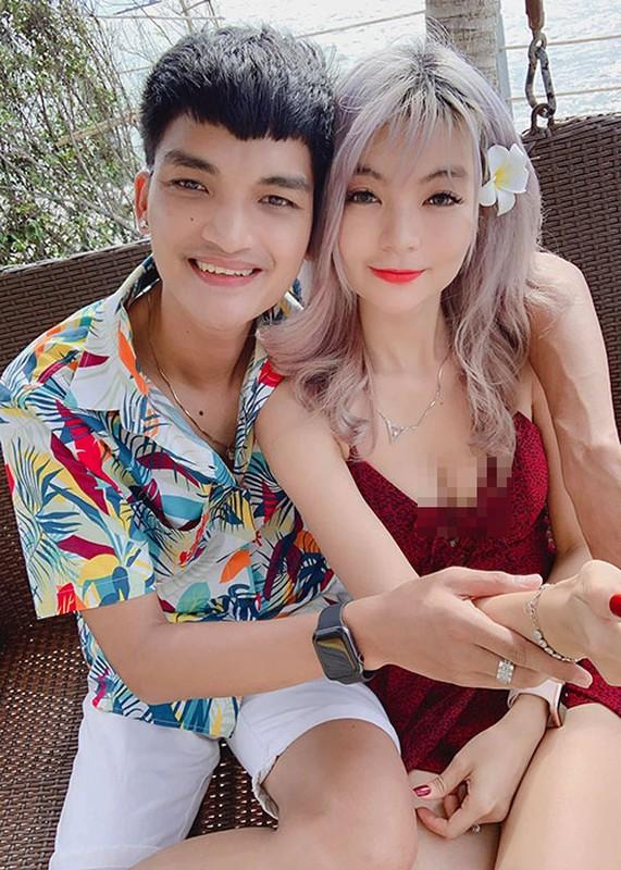 To am hanh phuc cua Mac Van Khoa ben vo hon tuoi-Hinh-2