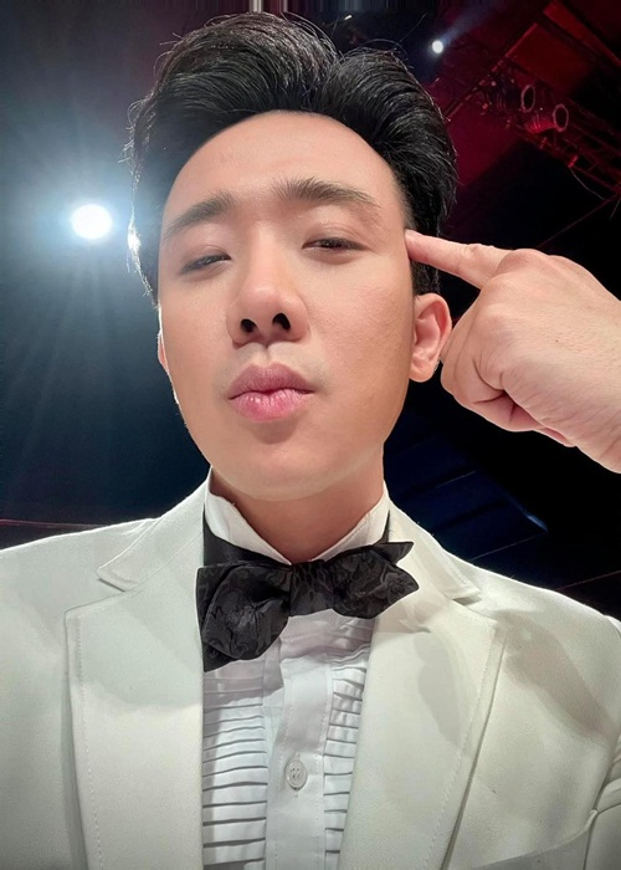 "Bat ngo kha nang ngoai ngu va nhai giong cua ""Bo gia"" Tran Thanh-Hinh-5"
