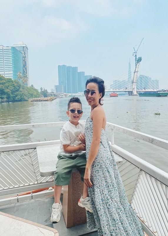 Duong tinh cua ca si Thao Trang truoc khi hen ho trai Tay U50-Hinh-2