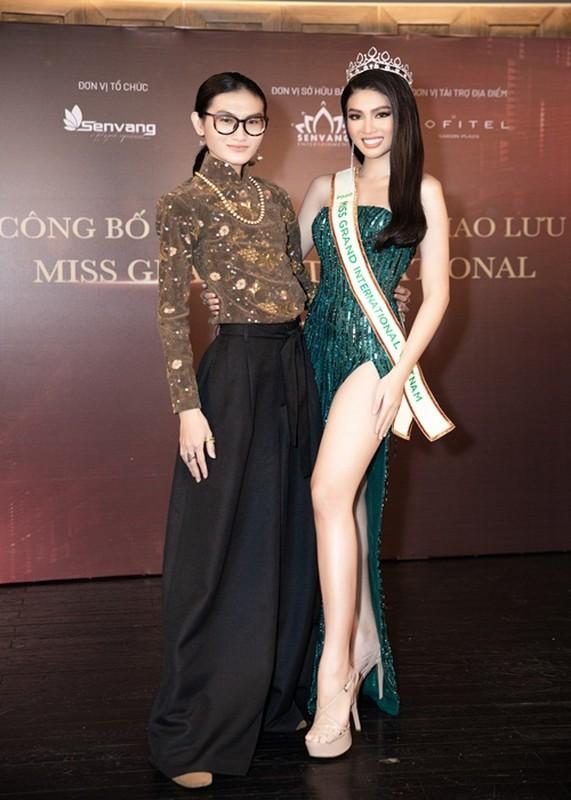 "Truoc phan thi quoc phuc, Ngoc Thao tung tron bo ""La ngoc canh vang""-Hinh-7"