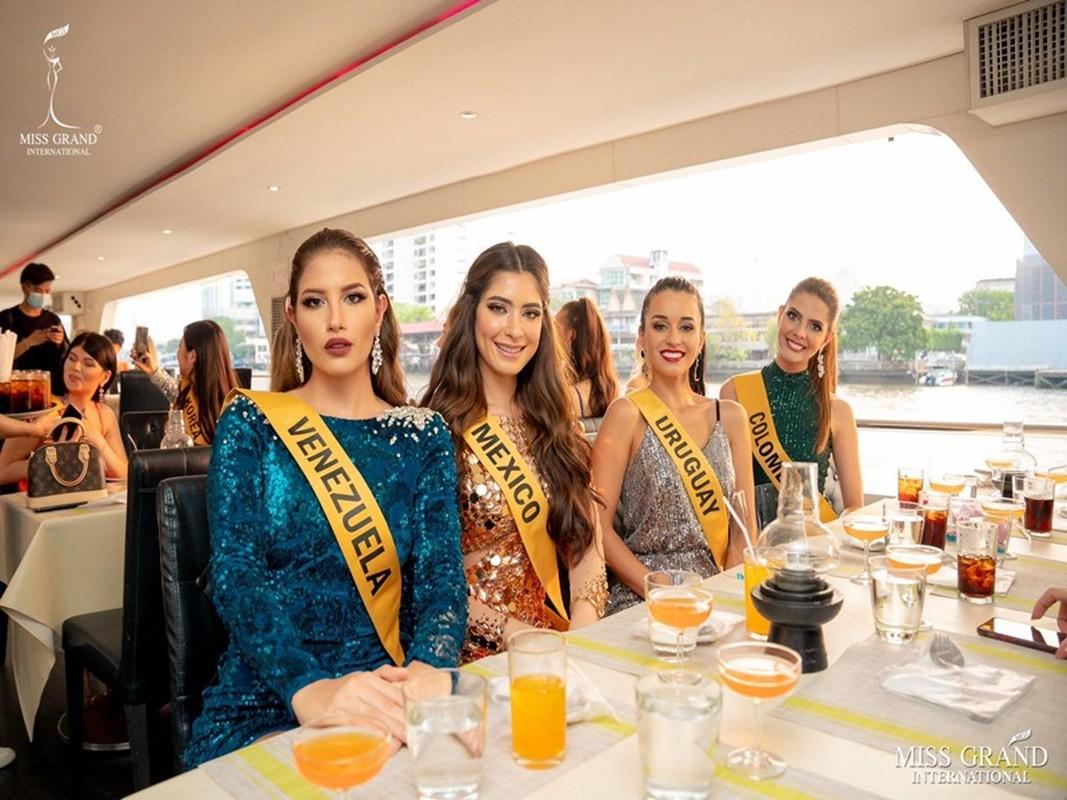 """Chan dung thi sinh Miss Grand International """"lo hang"""" gay soc trong ban ket-Hinh-8"""