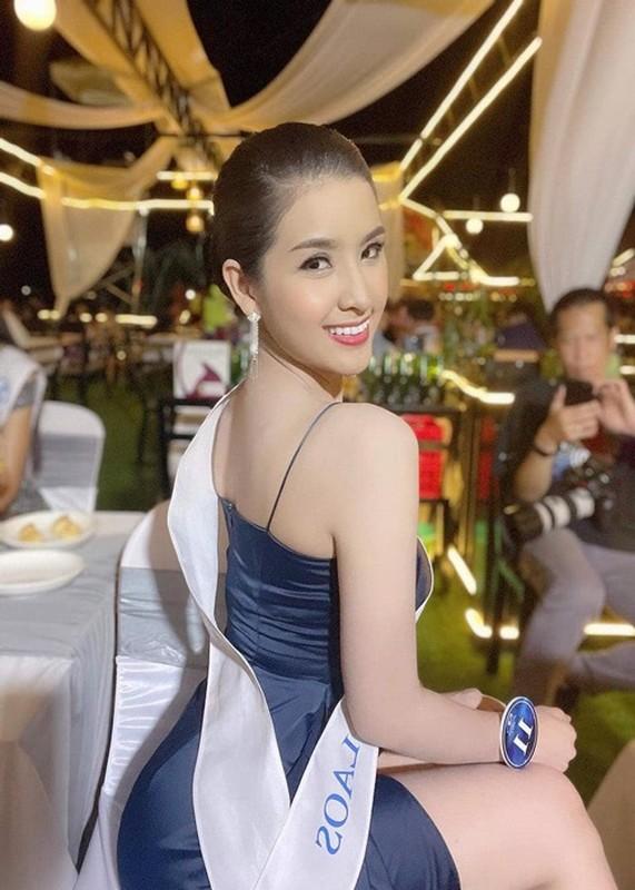 Hoa hau Lao tra vuong mien, soi nhan sac co gai the ngoi-Hinh-4